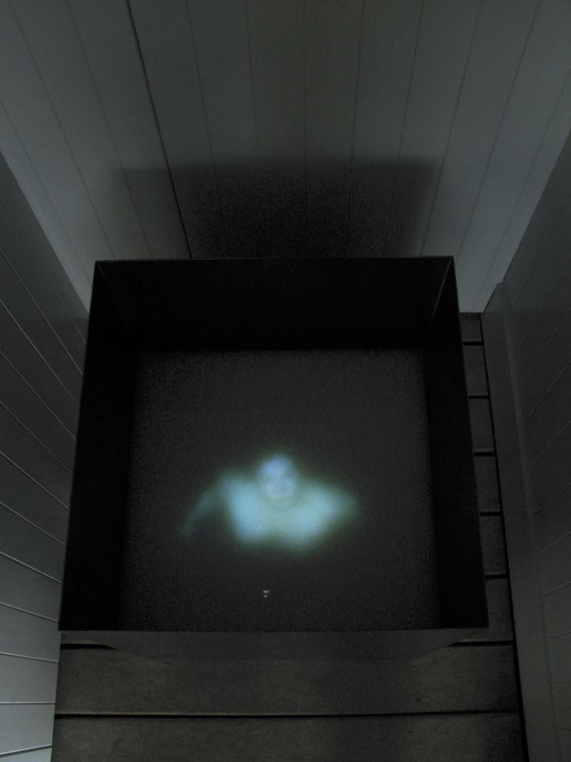 2008_Trapped-1_Girl-in-Water_Exib_SCHWERELOS_27